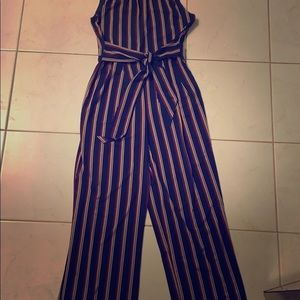 Sleeveless jumpsuit with tie front